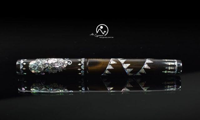 Photo of Dia de Muertos pen sent by Mr. Cypress