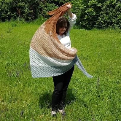 Tunisian crochet shawl in mohair, design by Silke Reibeling, aka Haekelreigen
