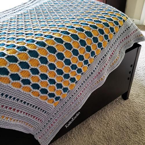 Madhu Honeycomb Blanket, crochet tunisien, design KnitterKnotter