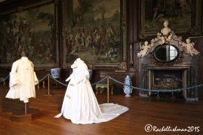 Fake ghosts, as well as the rumoured real ghosts haunt the palaces corridors!