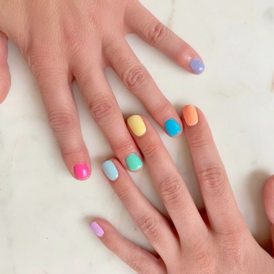 You NEED To Try Rainbow Nails!