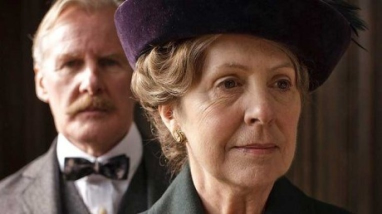 doctor-clarkson-isobel-crawley-downton-460x258