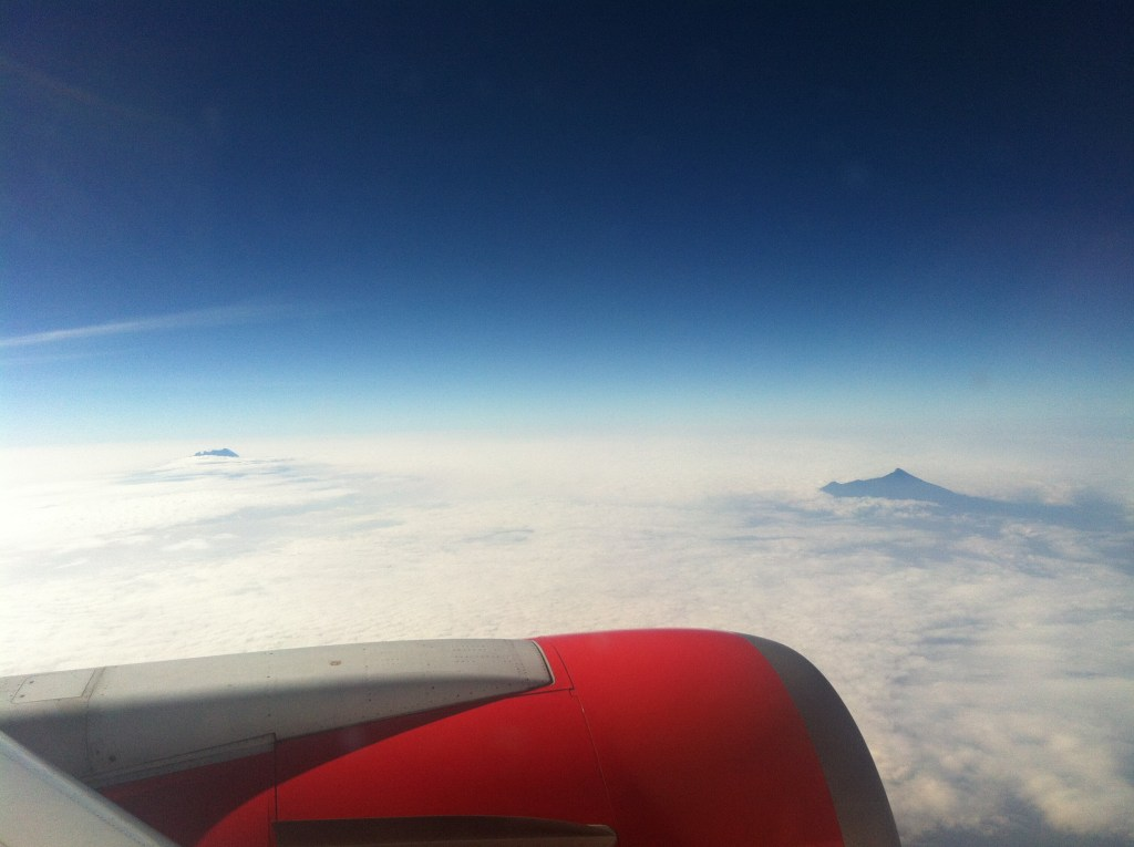 solo travel : view from a plane