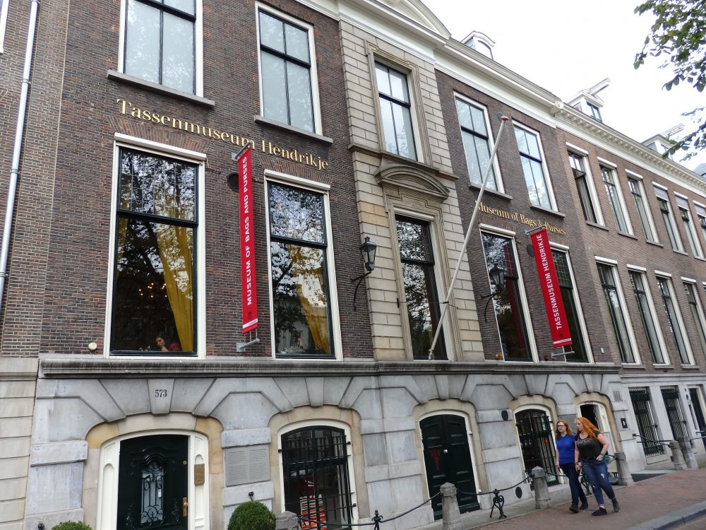 The Amsterdam museum of bags and purses is housed in a lovely 17th century patricians house.