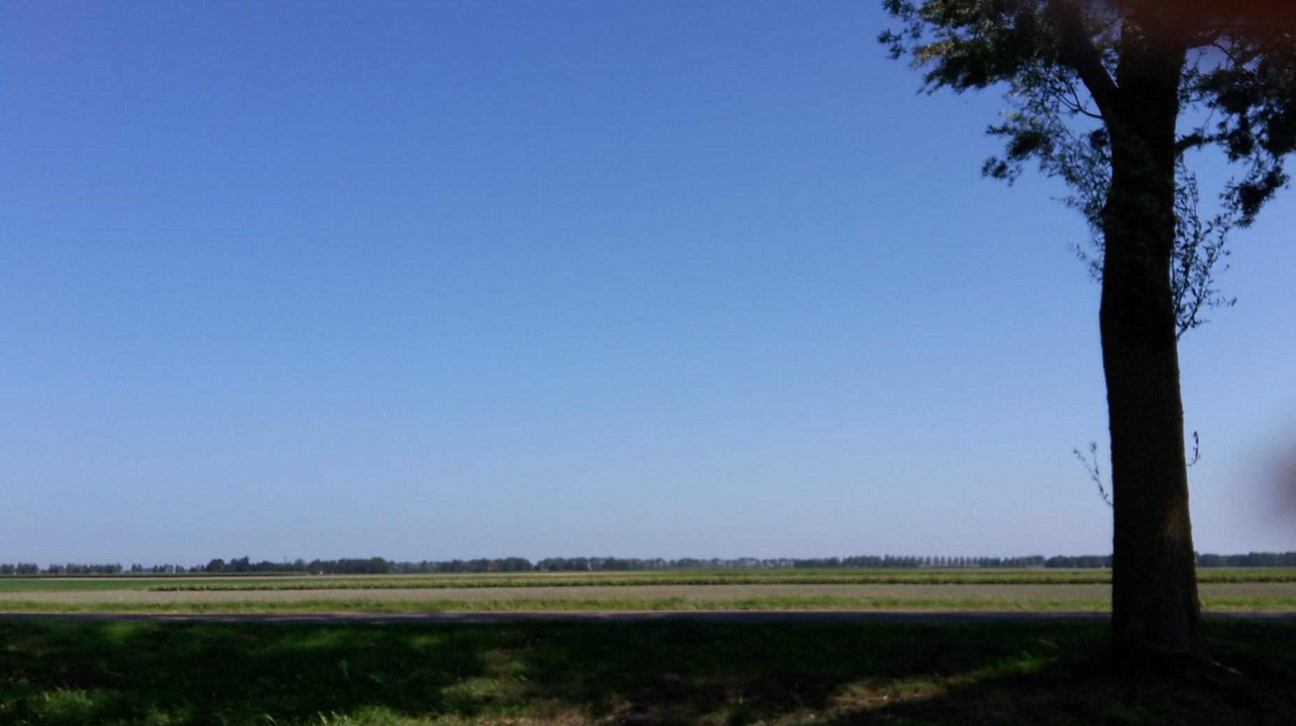 A clear-sky day on my commute to Leeuwarden.