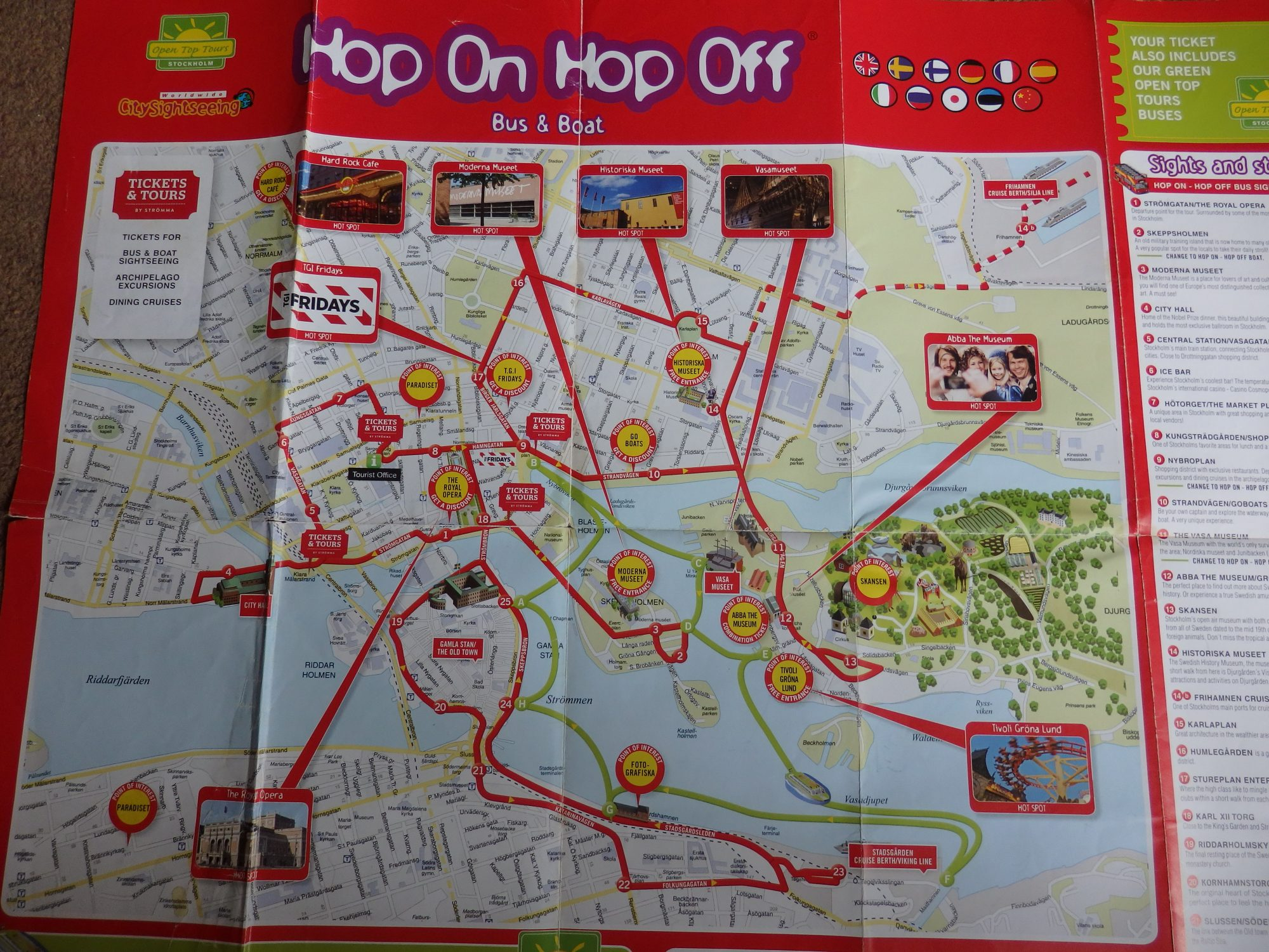 the printed map for the Hop On Hop Off routes: red for the bus, green for the boat