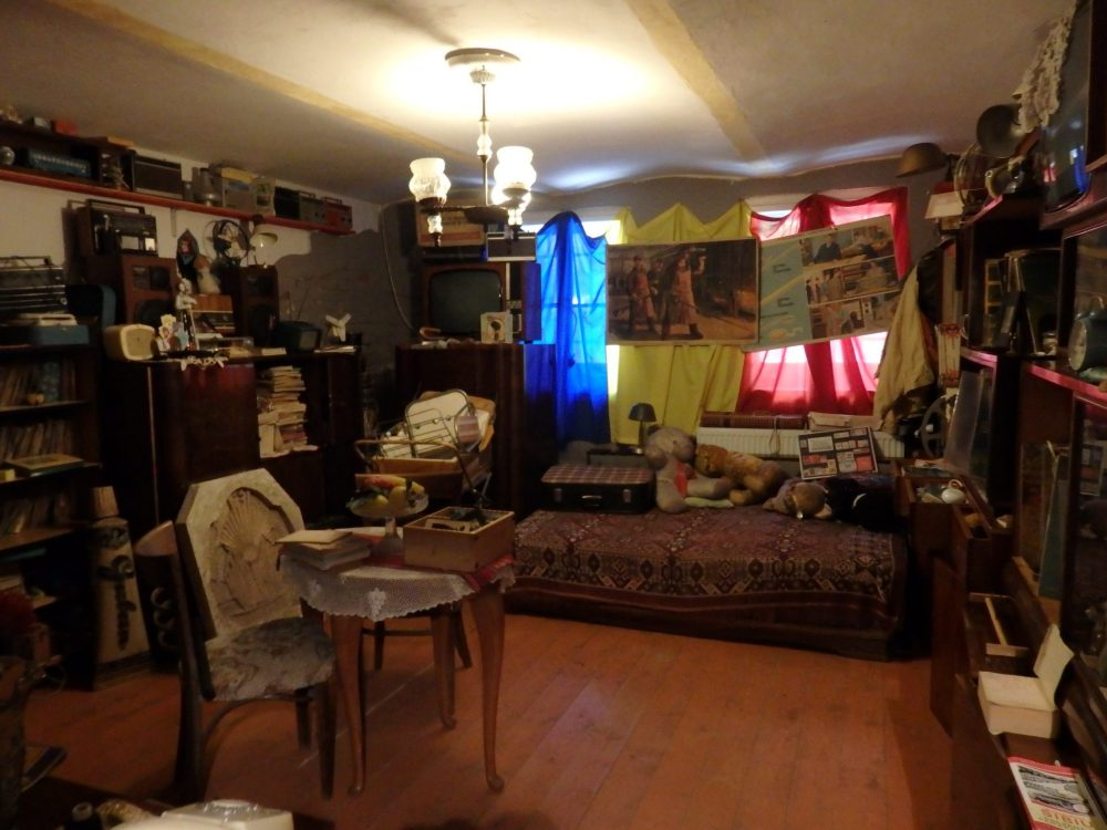 """The """"living room"""" at the Communist Consumers Museum"""