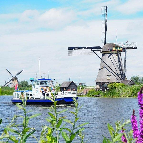 Kinderdijk or Zaanse Schans?