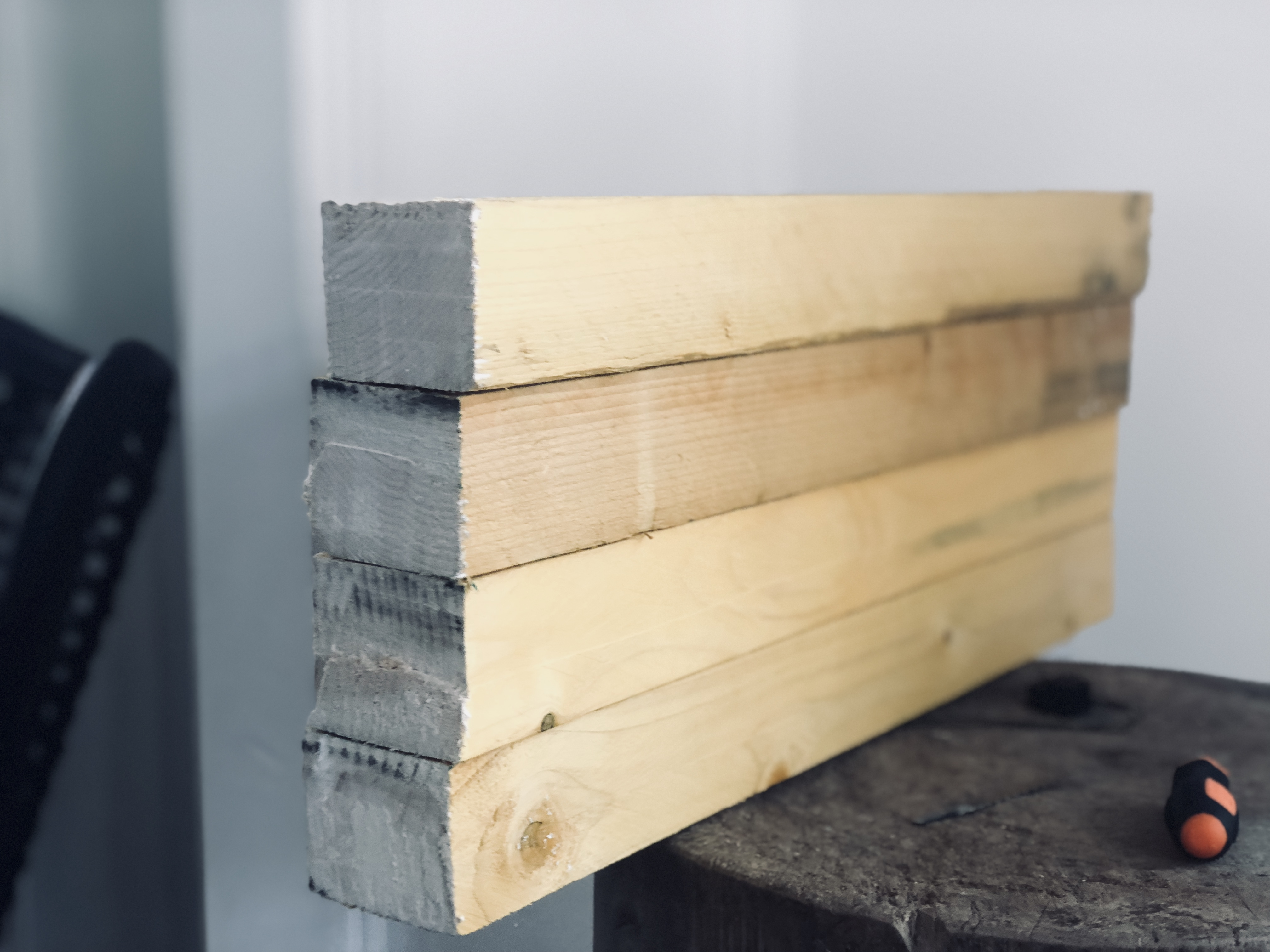 Diy Comment Fabriquer Une Table En Bois Robuste Avec Un Petit