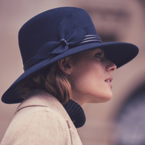 Navy felt downbrim with leaf detail