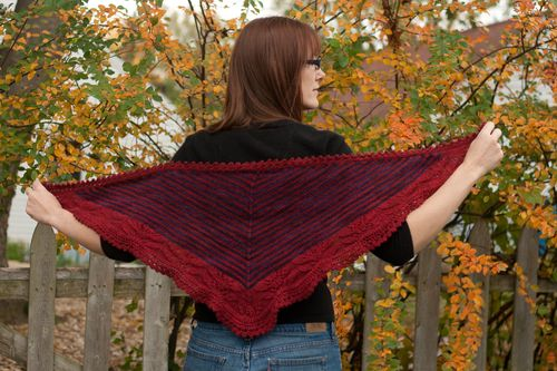 Knitted shawl by Clean : : the LuSa Organics Blog