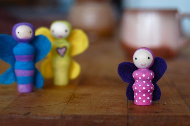 The cutest peg dolls ever.   Clean : : the LuSa Organics Blog