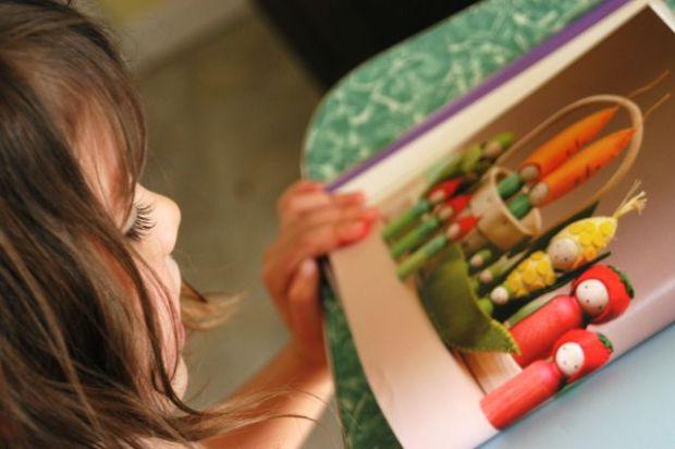 Making Peg People. : : Clean | the LuSa Organics Blog