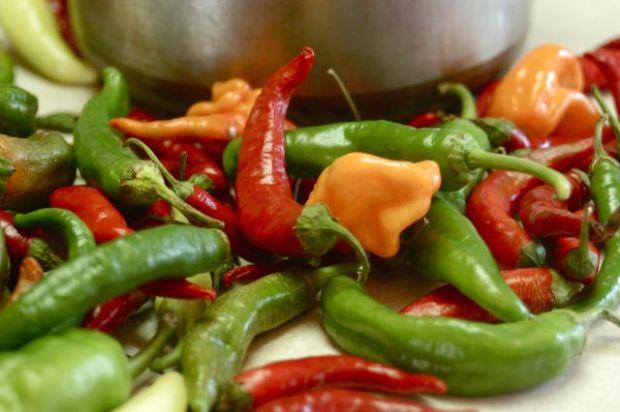 Homemade sriracha   Clean : : the LuSa Organics Blog