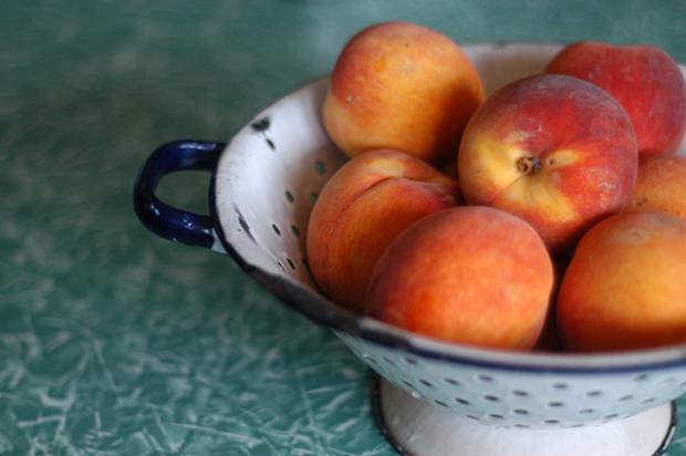 Sunshine Jam Recipe (peach, raspberry & ginger jam, sweetened with honey) Clean www.lusaorganics.typepad.com