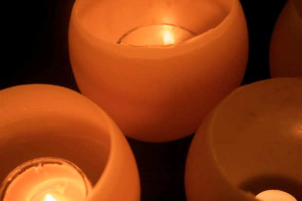 How to make beeswax candle luminaries : : www.lusaorganics.typepad.com : : Clean