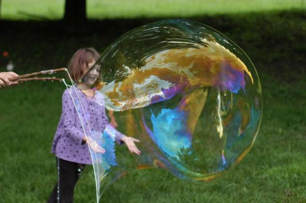 Giant bubble tutorial. [Clean.]