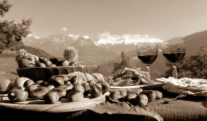Jetzt im Herbst ist Törggelen Zeit - auch bei uns in der RachKuchl. Alles zu unserem Törggelen erfahren Sie hier.