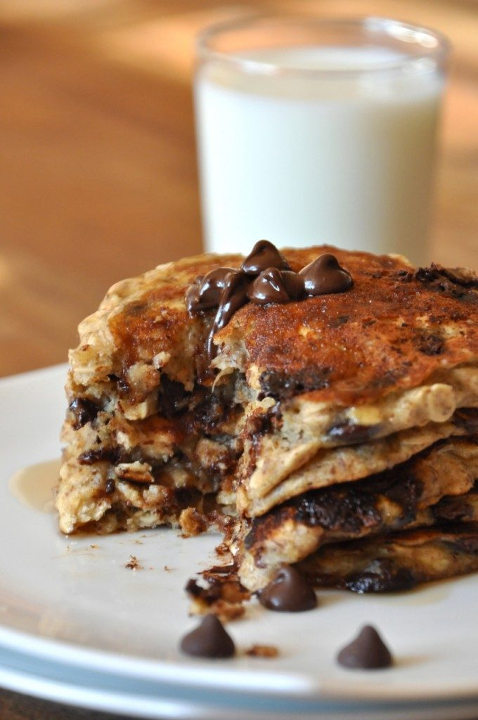 chocolate-chip-oatmeal-cookie-pancakes-3-680x1024