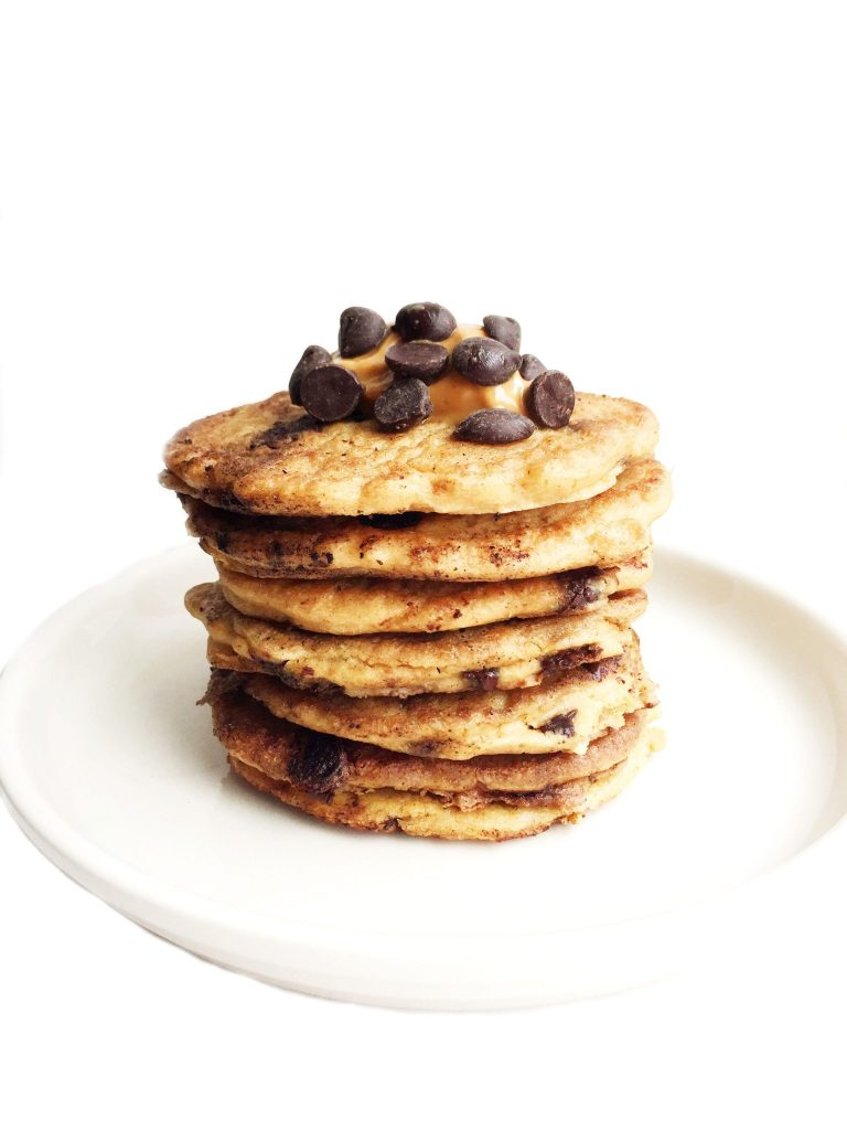Flourless Peanut Butter Chocolate Chip Pancakes