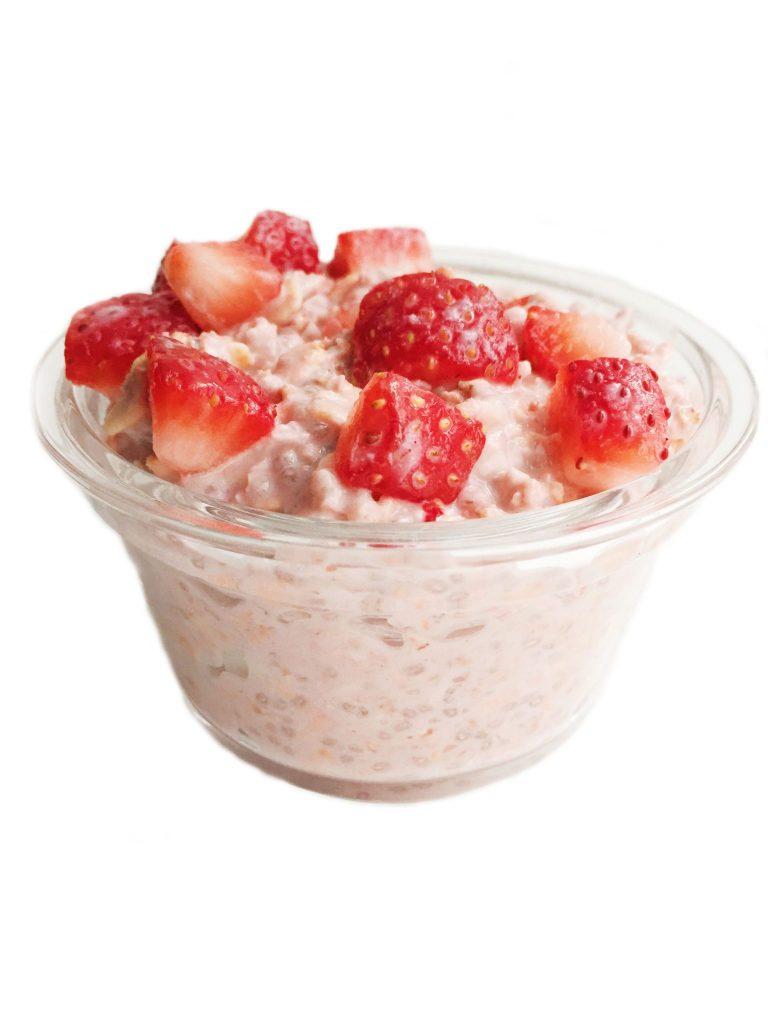 strawberryinfusedovernightoats