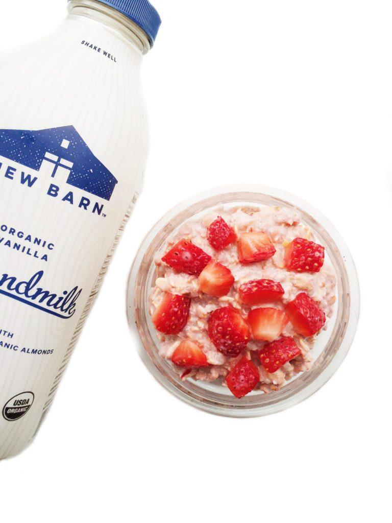 strawberryinfusedovernightoats3psd