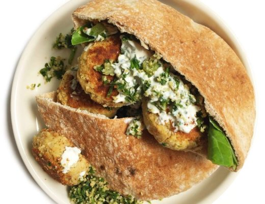 The Best Crispy Vegan Falafel made with only 6 delicious ingredients