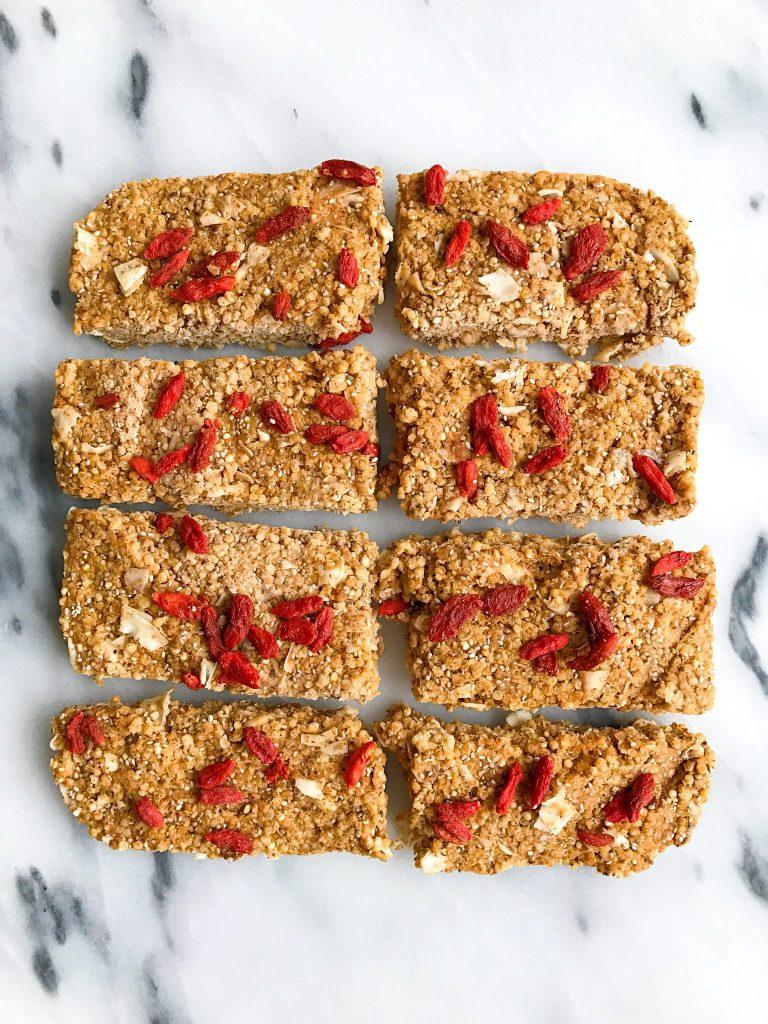 Toasted Quinoa Superfood Breakfast Bars