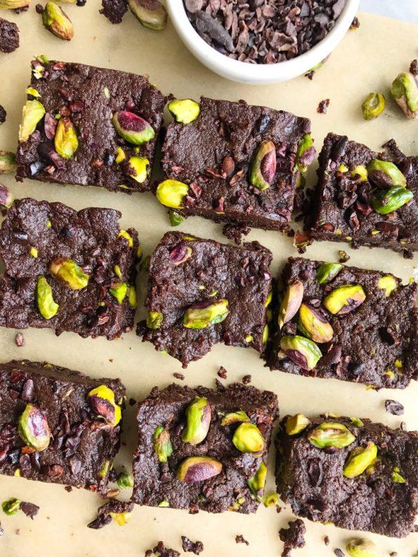 Dark Chocolate Pistachio Protein Fudge Bites for a delicious low sugar, vegan treat!