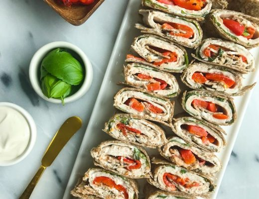 Roasted Red Pepper Chicken + Basil Pinwheels for an easy and healthy lunch/appetizer!