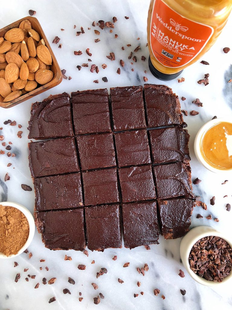 No-Bake Fudge Brownies made with gluten and dairy-free ingredients. Sweetened with manuka honey, no dates for a twist on your usual no-bake dessert!