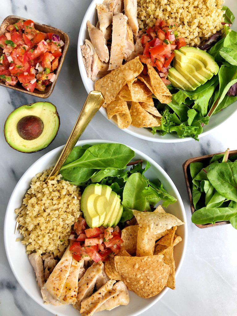 20-minute Homemade Paleo Burrito Bowls for an easy and delicious Chipotle-like burrito bowl made in your on kitchen!