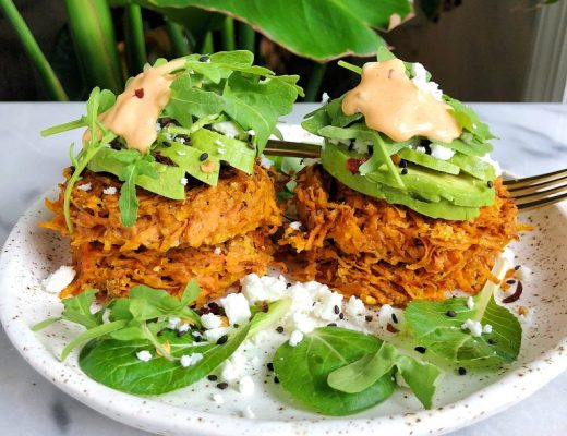 4-ingredient Paleo Sweet Potato Hash Brown Cakes made with simple and easy ingredients for a delicious homemade gluten-free hash brown recipe!