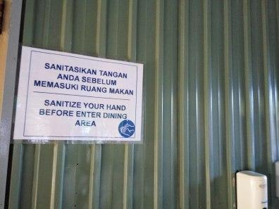mau masuk ruangan mesti cuci tangan dulu #newmontbootcamp
