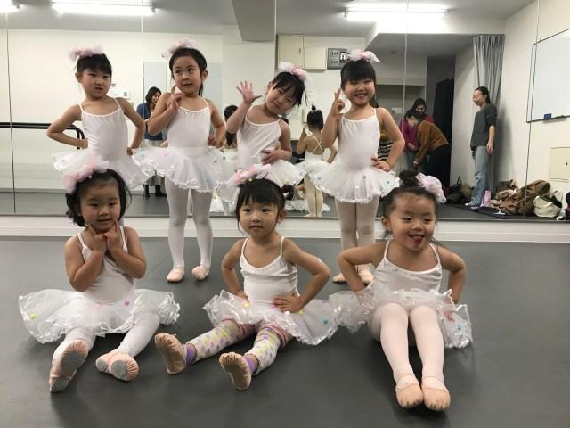 衣装合わせ バレエ教室