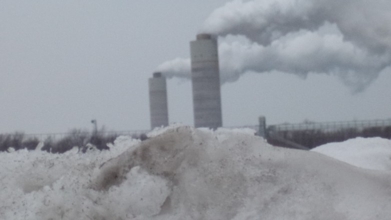 Coal ash in snow 009