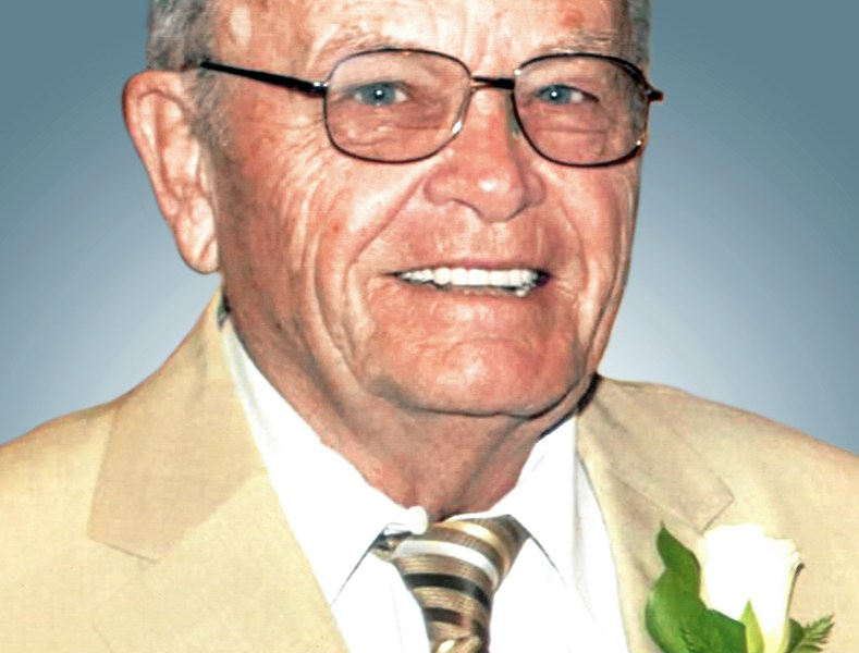 Robert J Knudson Sr