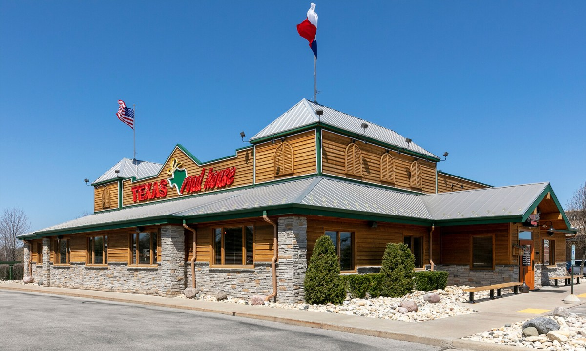 texas roadhouse racine county eye