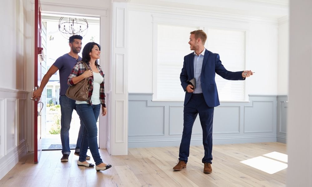How To Make a Good First Impression as a Real Estate Agent