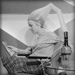 Excelsior Hair Dryer, 1962, Nijs, Jac de / Anefo.