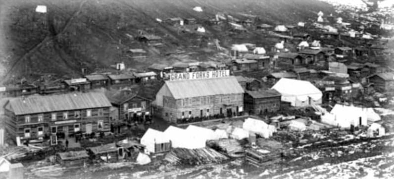 Grand Forks Hotel, Dawson City.