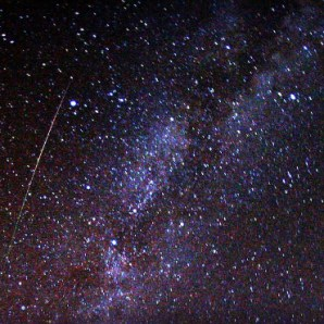Perseid Meteor and Milky Way, 2009. Image: Brocken Inaglory.