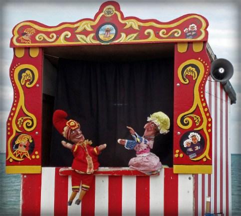 Punch & Judy At Swanage, England. Image: ALoan.