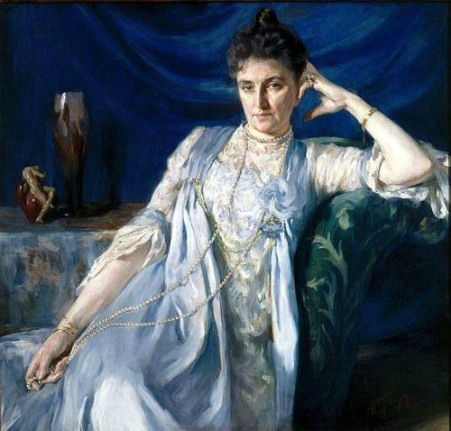 Countess E. M. Tolstaya, 1900. Image: Wikipedia.