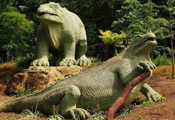 Crystal Palace Dinosaurs: Iguanodon. Image: Ian Wright.