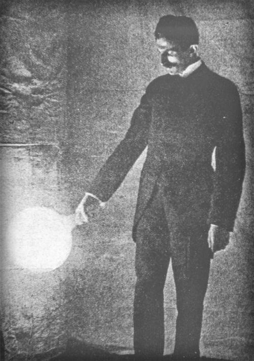 Victorian Selfies. Nikola Tesla With Vacuum Bulb. Image: TeslaUniverse.com.