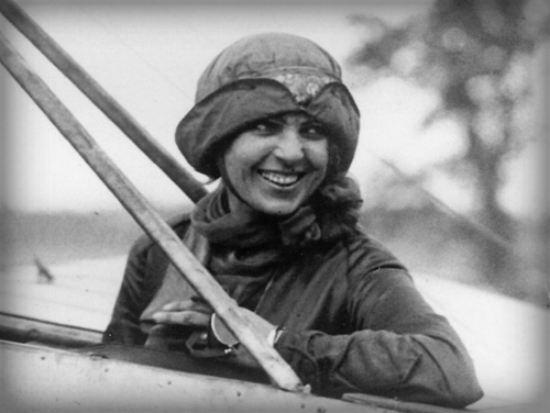 First Licensed Female Pilot In America. Image: Library of Congress.