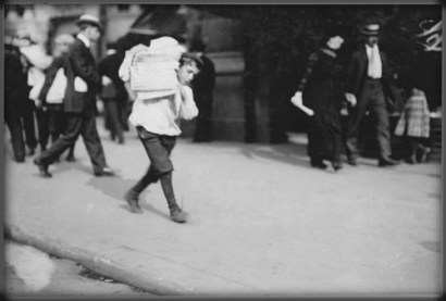 Nellie Bly Articles, 1910 by Lewis Hine. Image: Library of Congress.