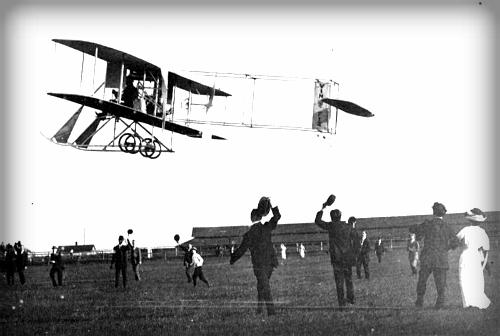 Vin Fiz Flyer; Wright Bros. Model EX, Sheepshead Bay1911. Image: Wikipedia.