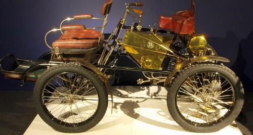 Dyon Bouton Quadricycle, 1900. Image: Wikipedia.